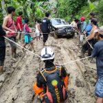 Berjibaku dengan Jalan berlumpur Paskas Rescue479 telusuri daerah ekstrim di wilayah bencana Sulbar