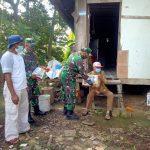 Koramil Sebatik Utara Serahkan Bantuan Berupa Sembako Kepada Warga di Wilayahnya