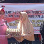 Berkah Ramadhan 1442 H, Brimob Bone Gelar Bhakti Sosial Bagikan Paket Sembako