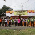 Sambil  Cek Posko Ops Ketupat 2021 Kapolres Sinjai Sekaligus Berikan Bingkisan Buka Puasa untuk Petugas Posko