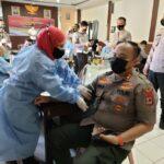 Kapolres Sinjai AKBP Iwan Irmawan S.Ik ikut Donorkan Darah sambut Hari Bhayangkara ke 75