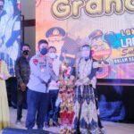 Bawa Pulang piala bergilir Kapolda Sulsel Utusan Polres Bulukumba juara pada Grand Final lomba lagu daerah meriahkan hari Bhayangkara ke 75