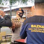 Gandeng BAZNAS Bone, Danyon Brimob Bone Kembali Salurkan Bantuan Untuk Personel Yang Isolasi Mandiri