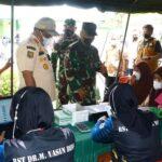 Danrem 141/tp hadiri Baksos  Pembagian Sembako, Sunatan Massal dan Serbuan Vaksinasi Wilayah Kodim 1407/Bone Dalam Rangka HUT TNI ke-76